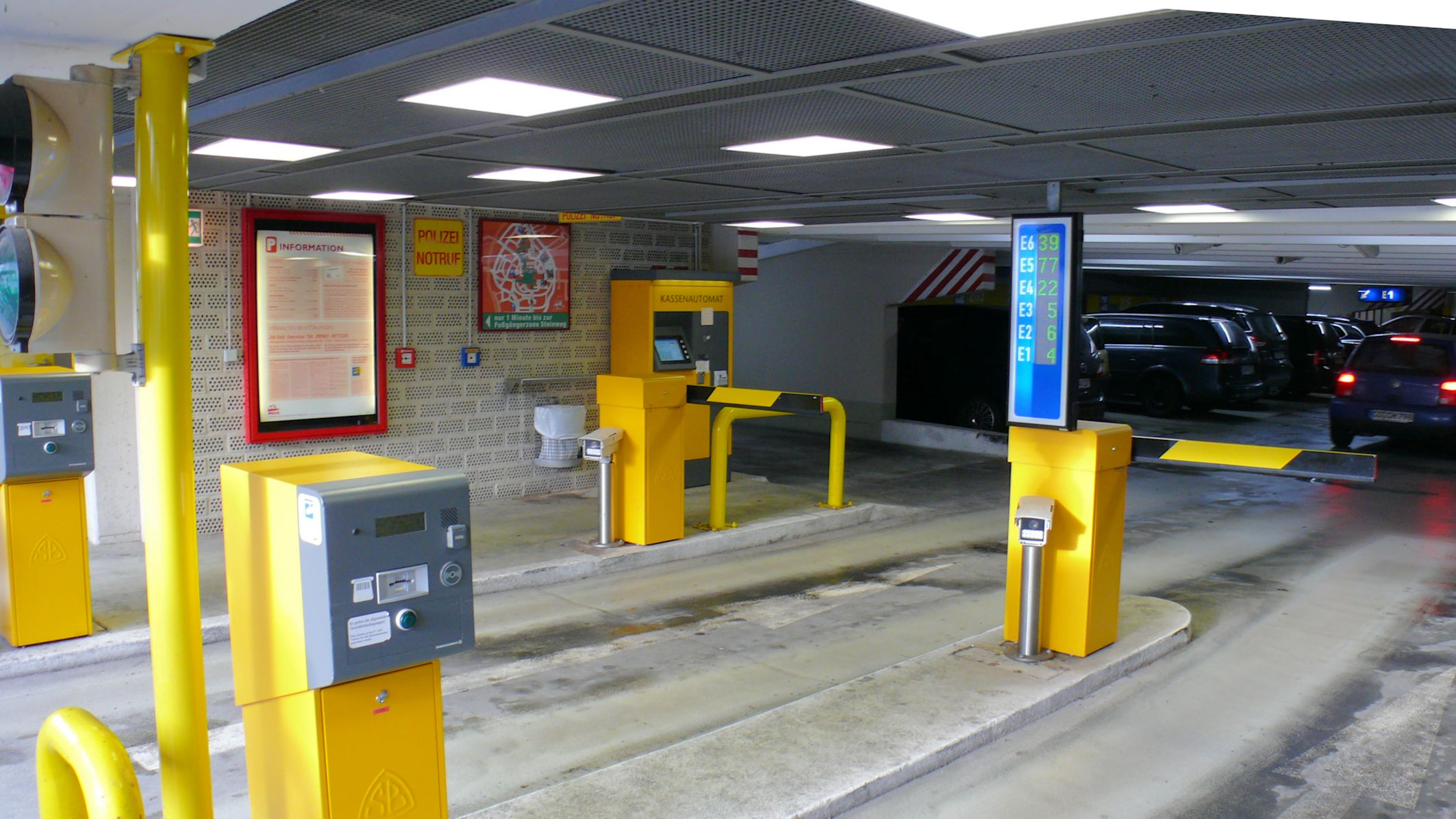 Einfahrt Parkhaus Post