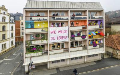 """26.11.2020 → Balkoninstallation hinterfragt: """"Wie willst du leben?"""""""