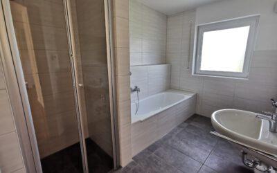 Moderne 4-Zimmer-Wohnung mit Balkon in Cortendorf