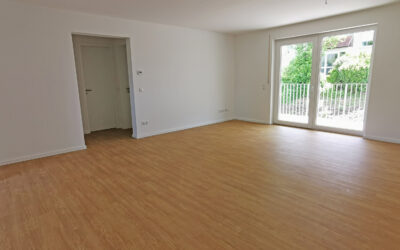 Moderne 3-Zimmer-Wohnung mit Balkon in Cortendorf